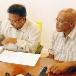 Power-plant-contract-signing-Peter-White-and-Yogesh-Gupta