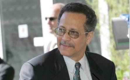 Dr Patrick I Gomes