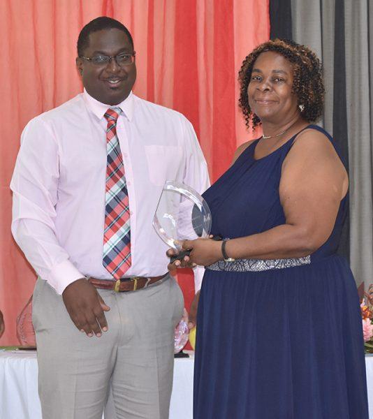 Veteran staff Josette prize from PS C Fergus DSC_7920web