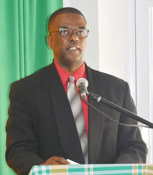 Minister-Lewis-DSC_7260-web