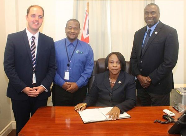 signing-fibre-optic-contract